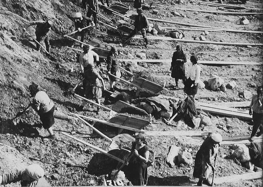 Histoire d'eau : Premier grand chantier de l'hydrogoulag, le canal de la mer  Blanche - La Revue EIN